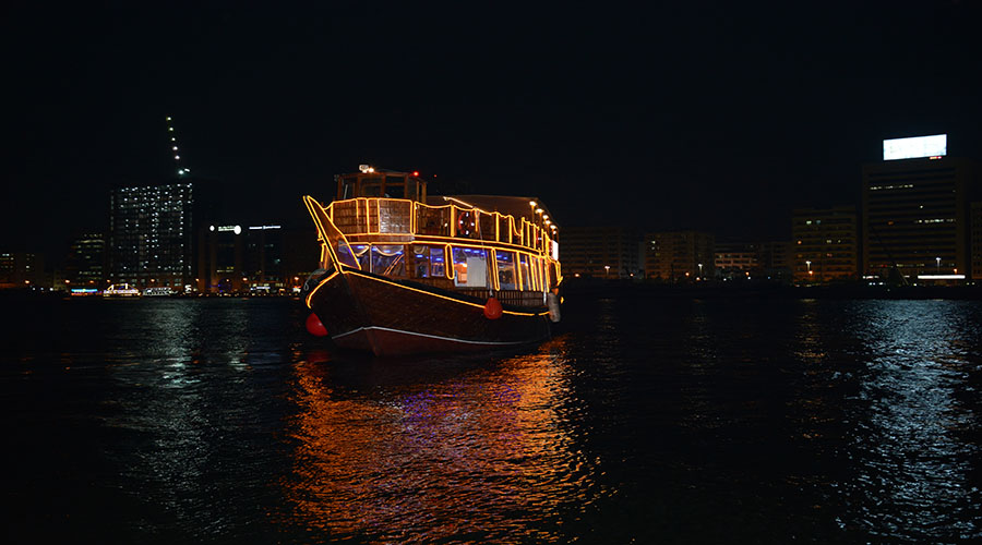 Dhow Cruise Dubai - How to spend 24 hours in Dubai
