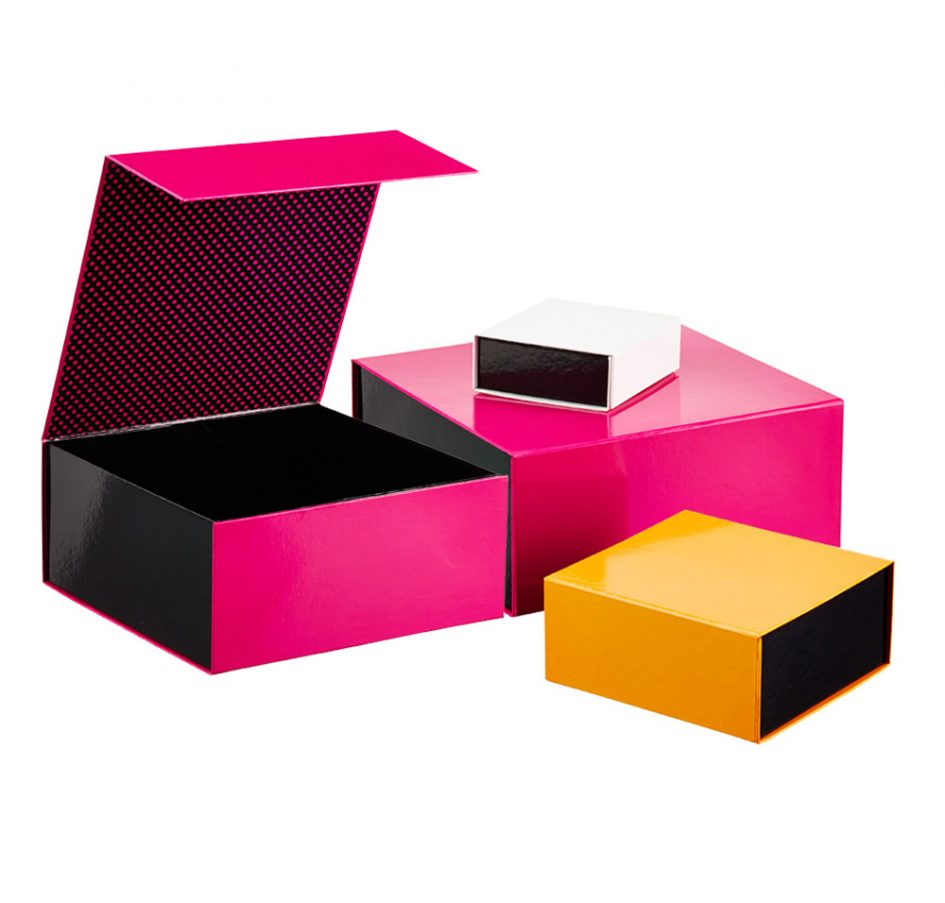 Add additional items to make your custom product packaging boxes unique