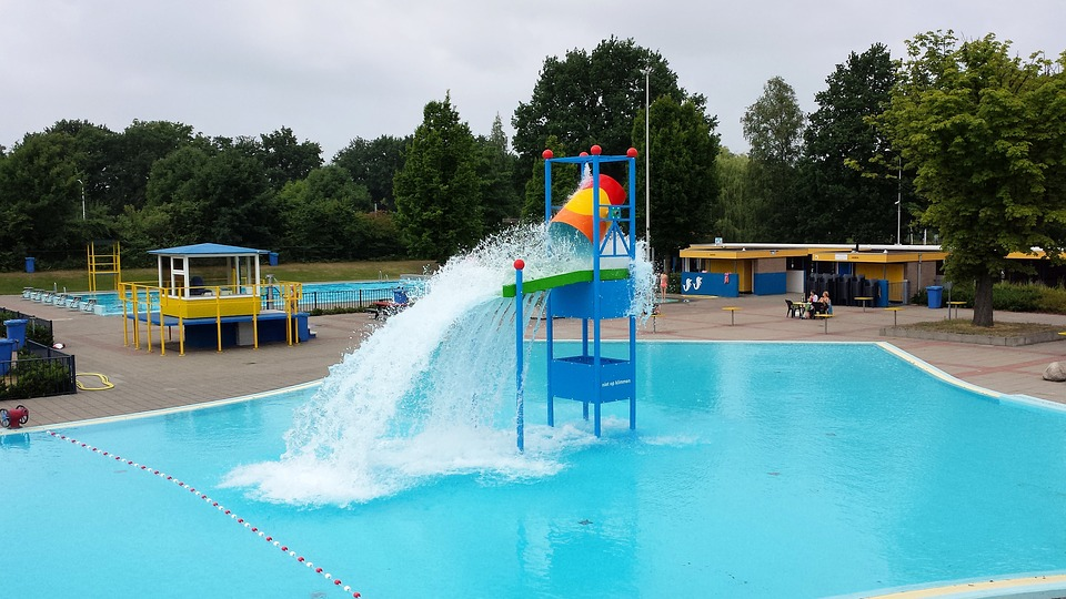 Side effects of chlorine in swimming pools